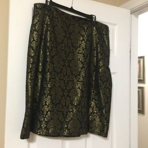 Black and gold skirt line A perfect